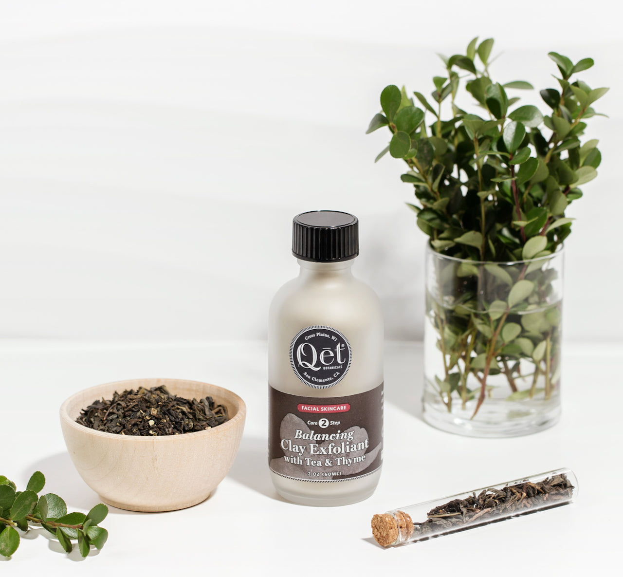 Qet-Botanicals-Balancing-Clay-Exfoliant-with-Tea-and-Thyme