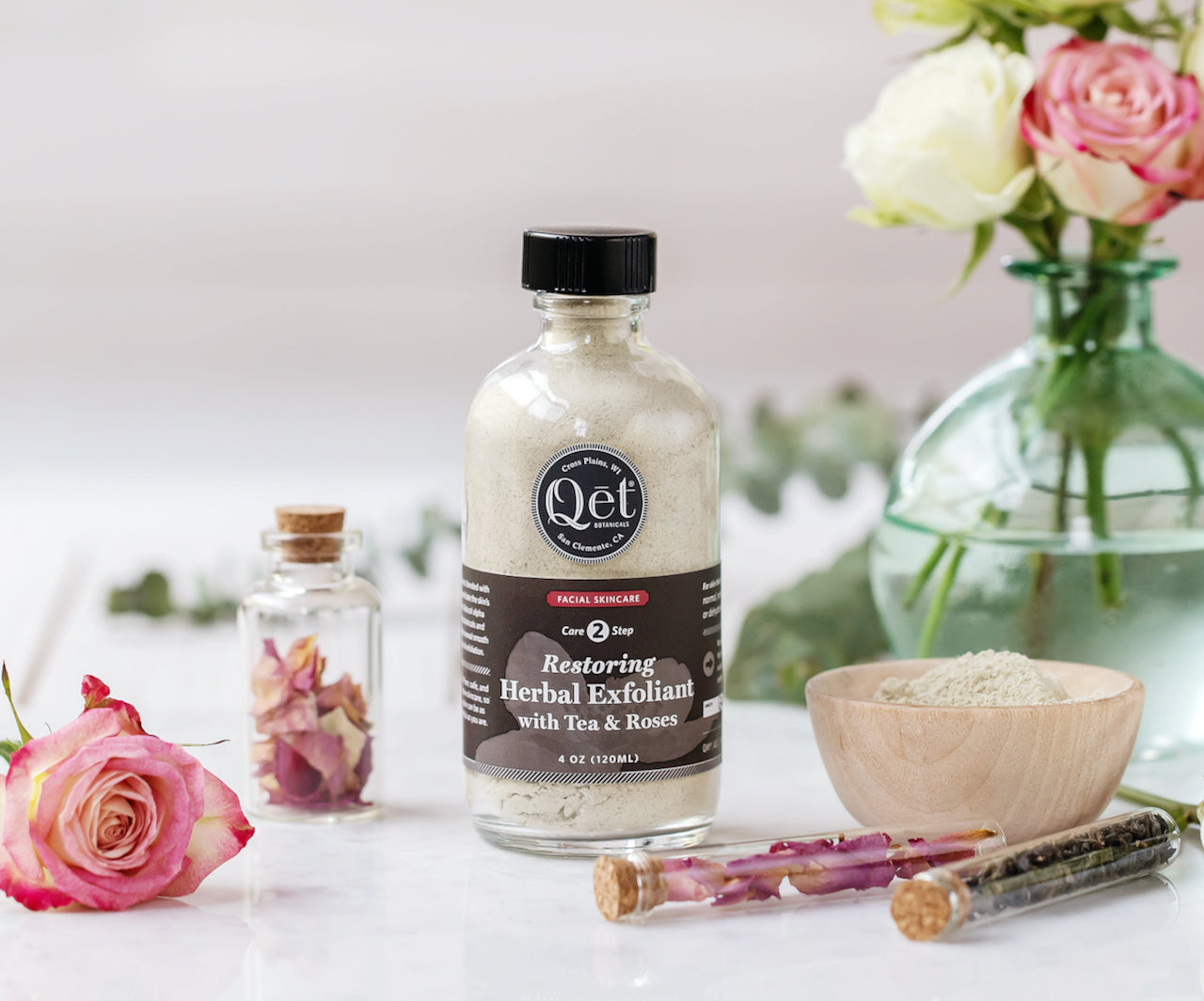 Qet-Botanicals-Restoring-Herbal-Exfoliant-with-Tea-and-Rose