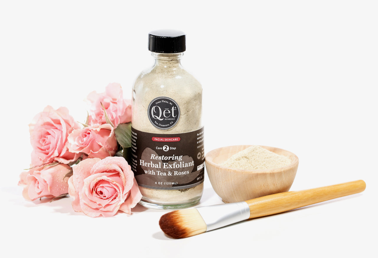 Qet-Botanicals-Restoring-Herbal-Exfoliant-with-Tea-and-Roses
