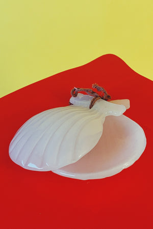 Vintage Shell Decor