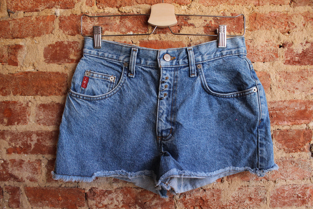 Lei Piercing Denim Shorts