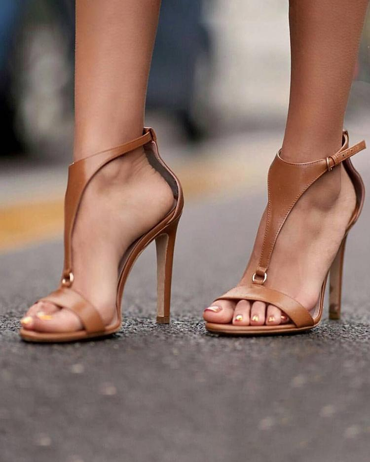 Dekorhea Solid Buckled T-Strap Thin Heeled Sandals