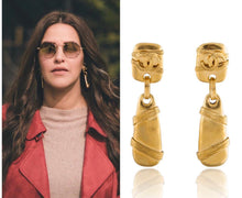 Load image into Gallery viewer, Vintage Chanel CC Rope Earrings