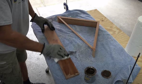 building flag and varnish