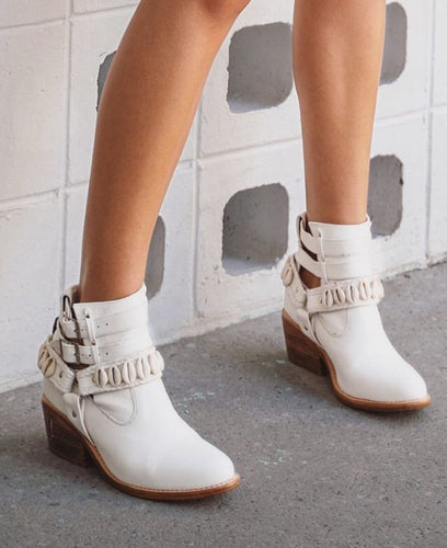 Cowrie Boots in White