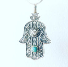 Load image into Gallery viewer, Hamsa Hand Necklace
