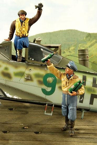 ZOUKEI-MURA SWS02-F06 Two Aces Figure Set for Ta152H-1 1:32 Scale