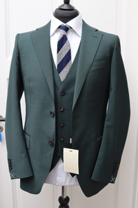 NWT Suitsupply Green Plain Lazio 100% Wool 3 Piece Suit - Size 38R, 40S, 40R, 42R, 44R