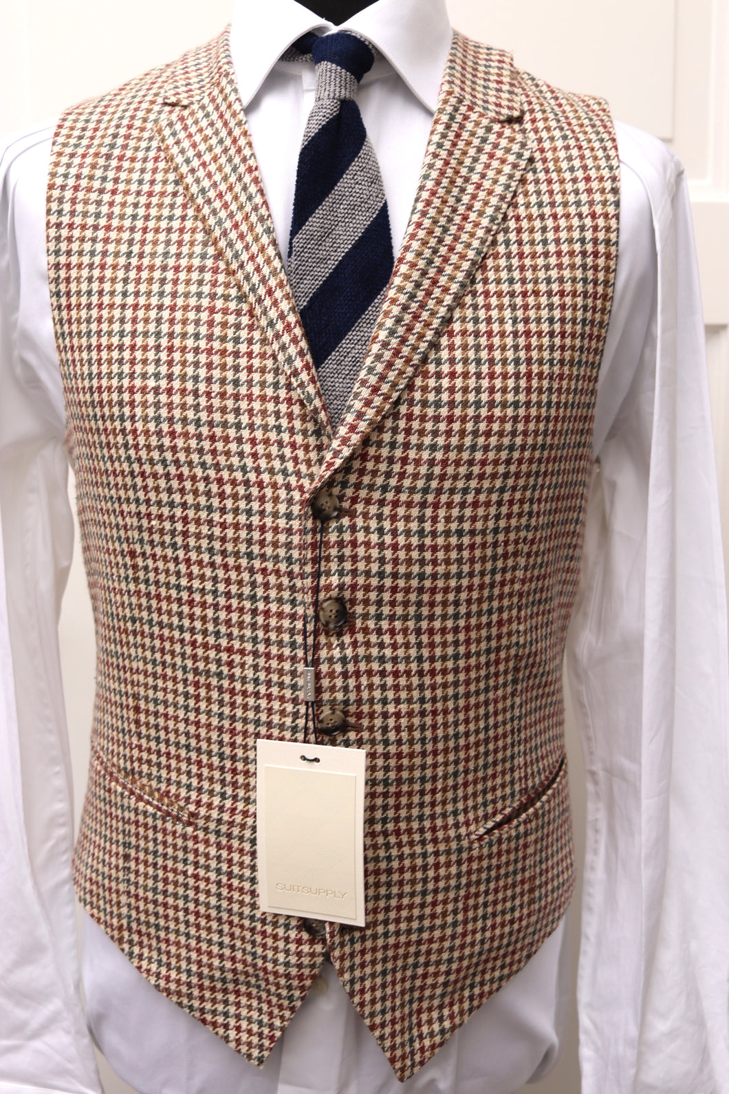 New W. Tags SUITSUPPLY Capetown Green, Brown and Burgundy Houndstooth Silk Waistcoat - Size 38R