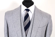 Load image into Gallery viewer, NWT Suitsupply Havana Gray Houndstooth 100$ Linen 3 Piece Suit - Size 42R