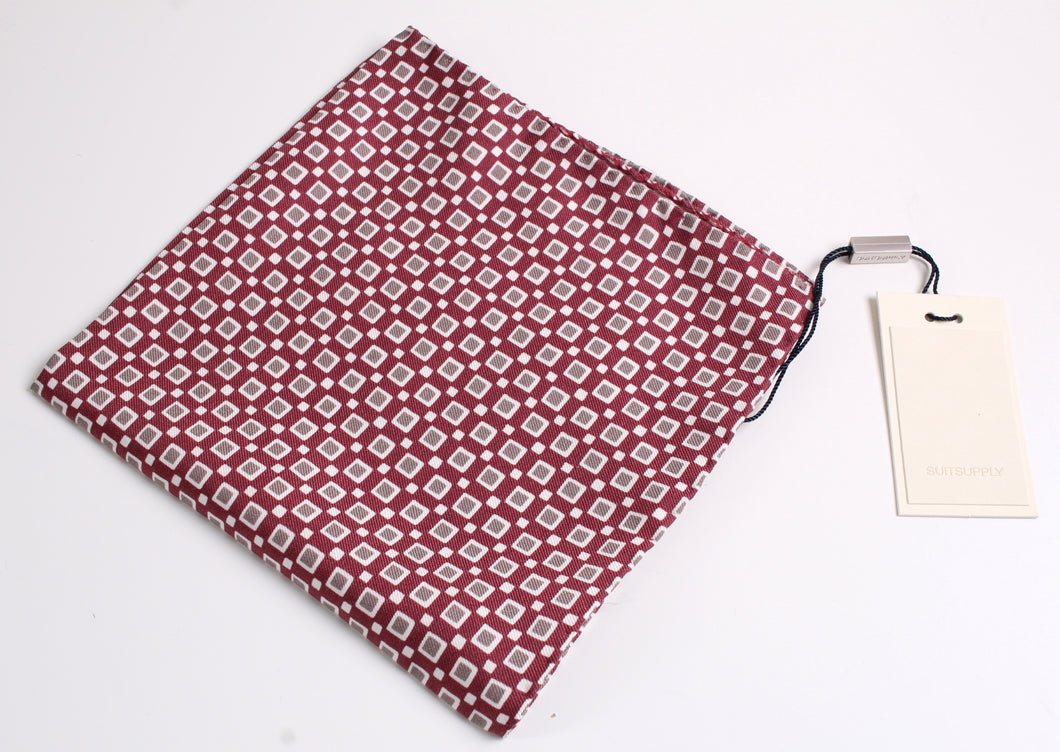 New With Tags SUITSUPPLY Red Square 100% Silk Pocket Square