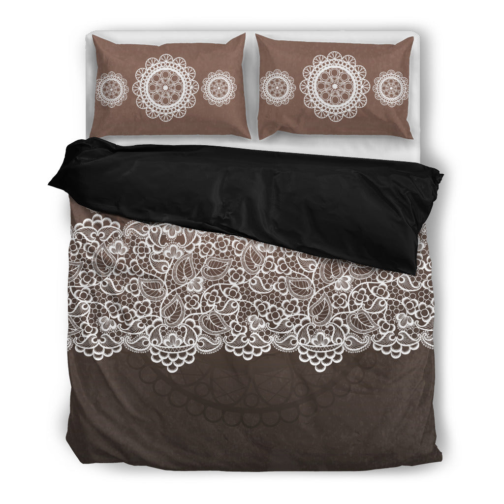 Lace Bedding Set.