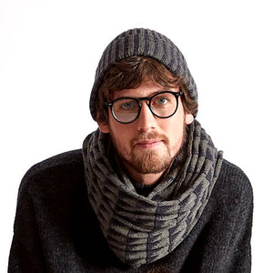DELTA - a chunky men's scarf with triangle pattern made in Ireland from wool and cashmere.