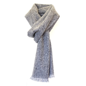 BAXTER - a soft classic scarf woven from wool, cashmere and alpaca.