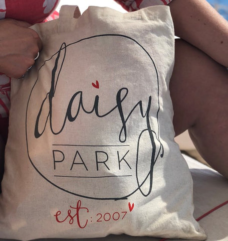 Daisy Park tote bags