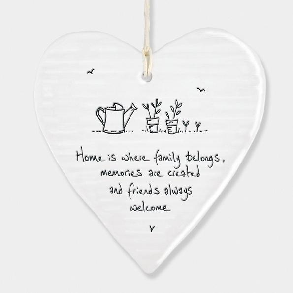 East of India Porcelain Round Heart - Home is where Family belongs