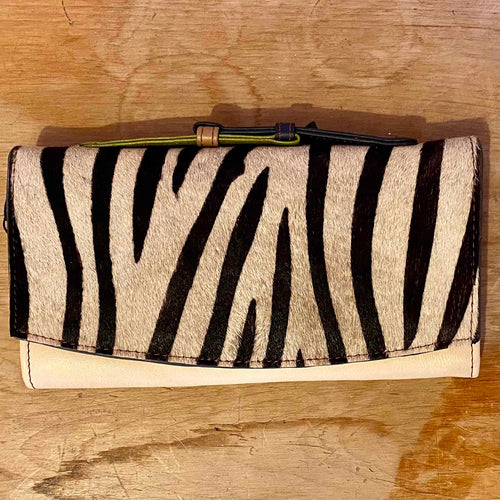 Smart Animal print purse - Daisy Park