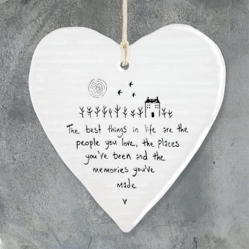 East of India Round Porcelain Heart - 'The best things in life...' - Daisy Park