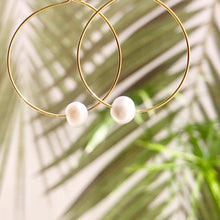 Load image into Gallery viewer, Fresh Water Single Pearl Hoops ~ Salty Shells