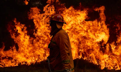 Australian Firefighters Struggle to Contain Brushfire Blaze