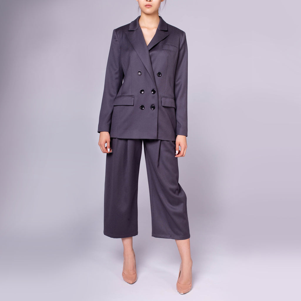 Lady's Power Suit - IZZZO Marketplace