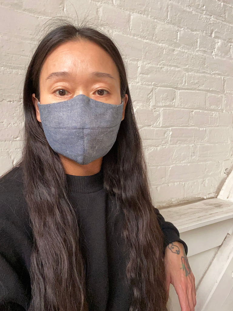 Contoured Linen Face Mask - Chambray