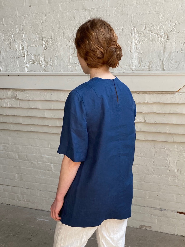 hoi bo blue linen short sleeve shirt. Made in Canada