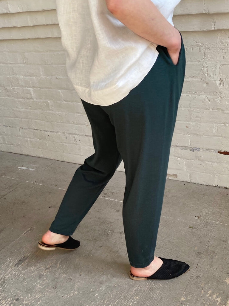hoi bo emerald green cotton pant with pockets. Made in Canada.