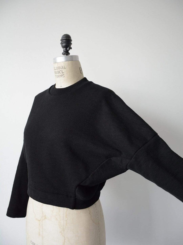 hoi bo fleece cotton pullover color is black made in Canada