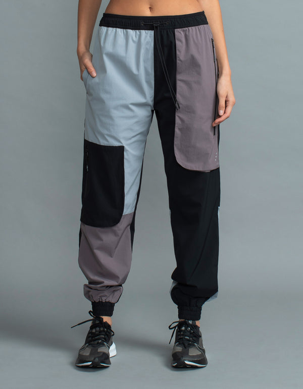 Patch Exo Trackpant Mauve/Black