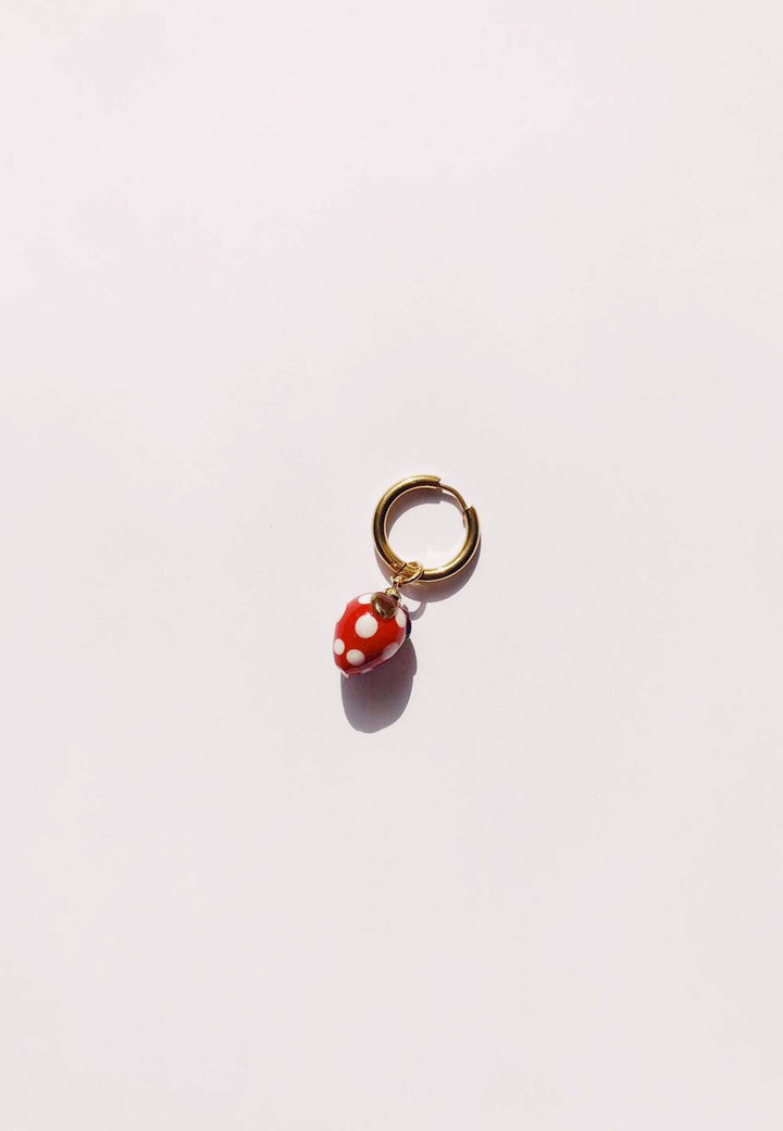 Strawberry Single Hoop - gold