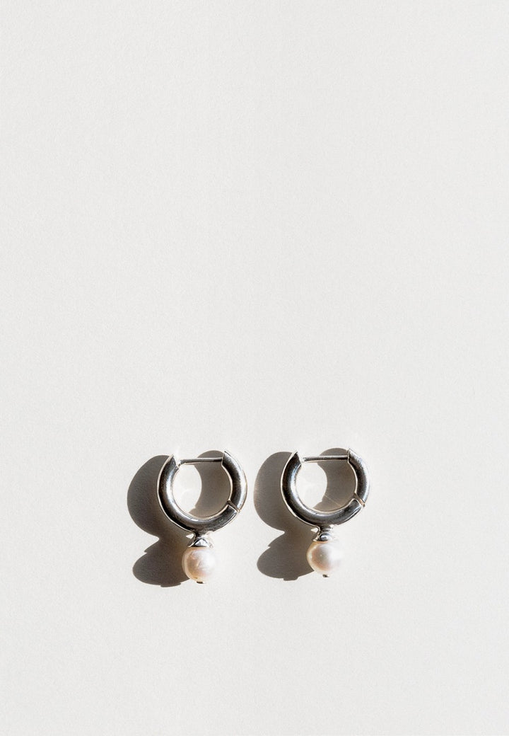 Jasmin Sparrow Audrey Hoop Earrings - silver/pearl - Good As Gold