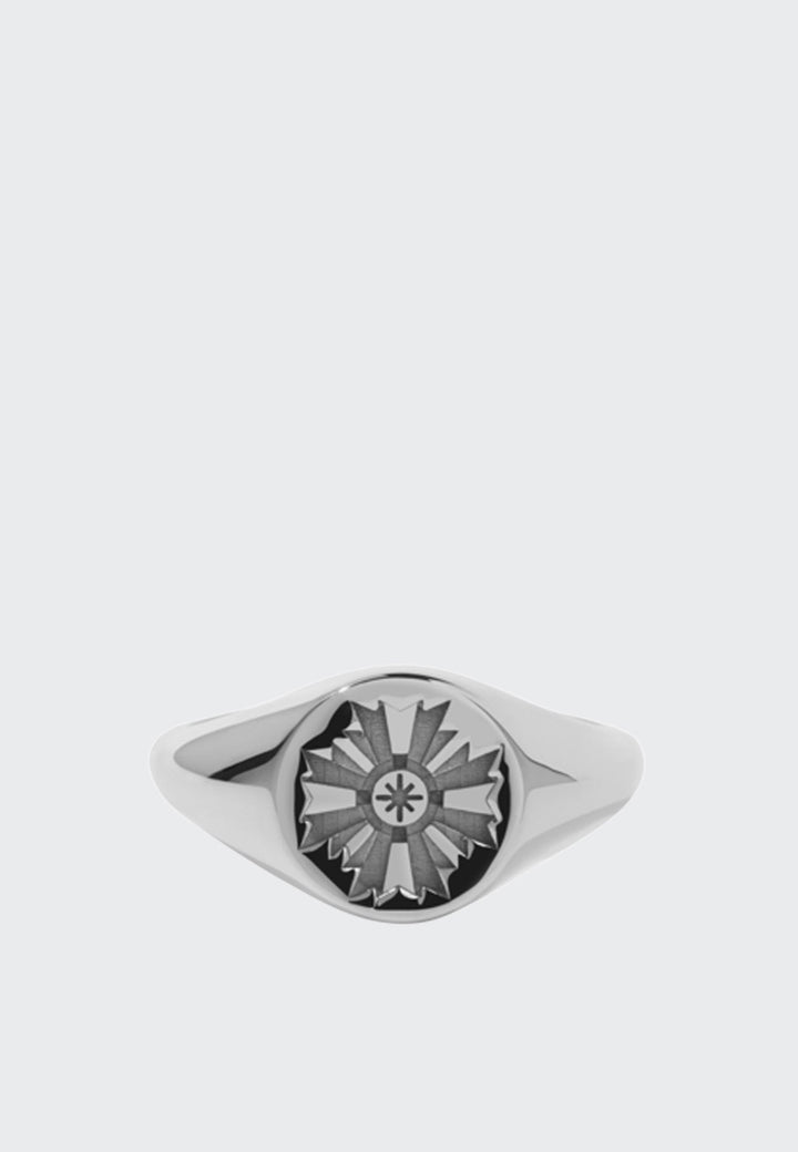 August Signet Ring Embossed - silver