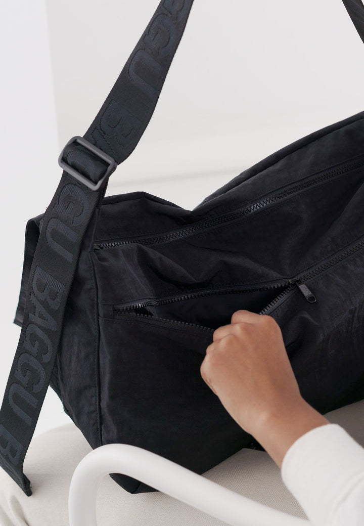 Sport Messenger Bag - black