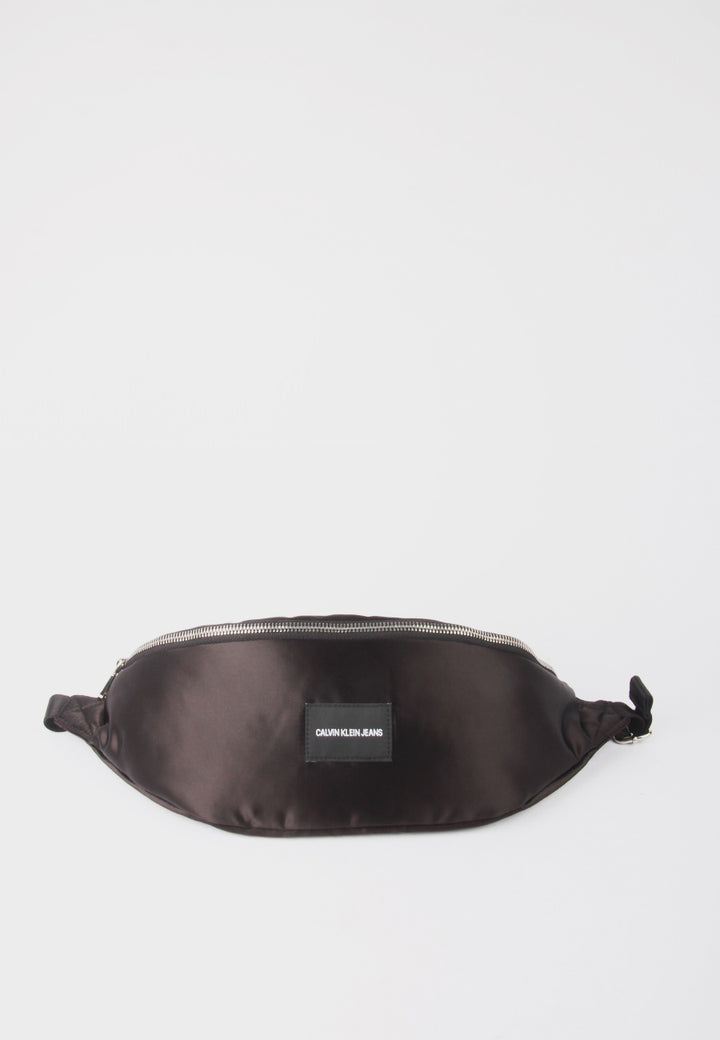 Calvin Klein Satin Streetpack - black - Good As Gold