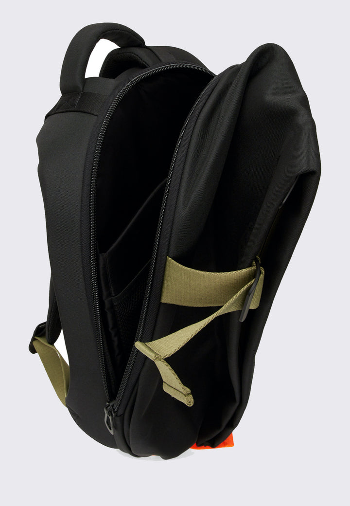 Medium Isar Backpack - smooth black