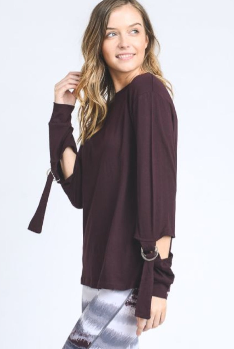 Athleisure Buckled Sleeve Top-Plum