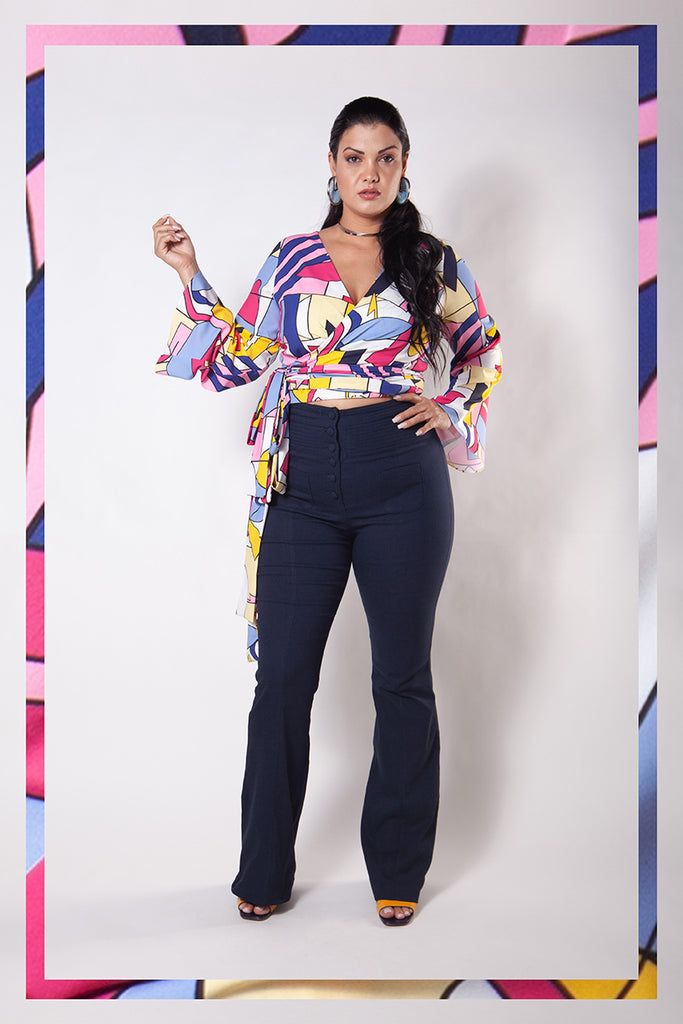 Blusa Transpassada Plus Size Estampada