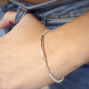 Dainty bar bracelet - Savi Jewelry