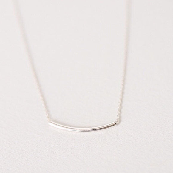 Curved Bar necklace - Savi Jewelry