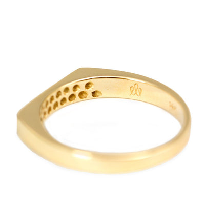 gold ring set with 18 diamonds