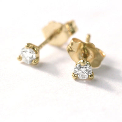 stud earrings with white diamonds martina