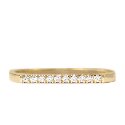 glamorous gold ring with diamonds