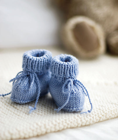 Turbo Stay-On Baby Booties (in 3 gauges) Pattern – Churchmouse Yarns & Teas HO87