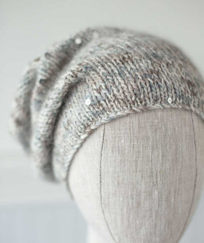 Minimalist Hat Using Sesia Lola