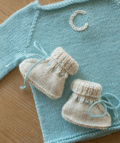 Stay On Baby Booties Using Big Bad Wool Weepaca