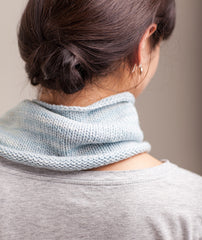 Stockinette-Stitch Cowl & Handwarmers Using Manos Maxima