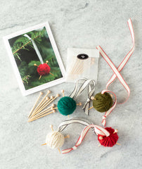 Easy Yarn Ball Ornaments