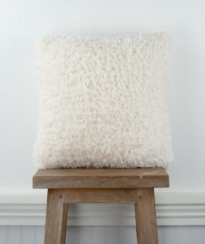 Faux Fur Pillow Using Sirdar Alpine