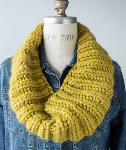 Fisherman's Rib Cowl Super Chunky: Mrs Moon Plump